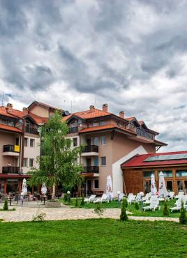Нова Година в Апартаментен хотел Севън Сийзънс 2*, с.Баня до Банско